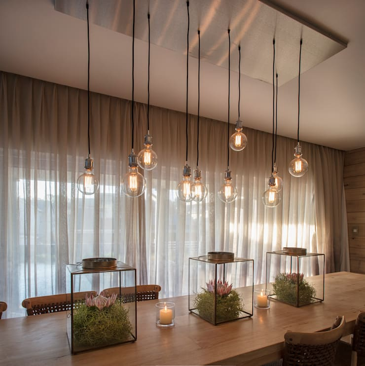 country Dining room by Spegash Interiors