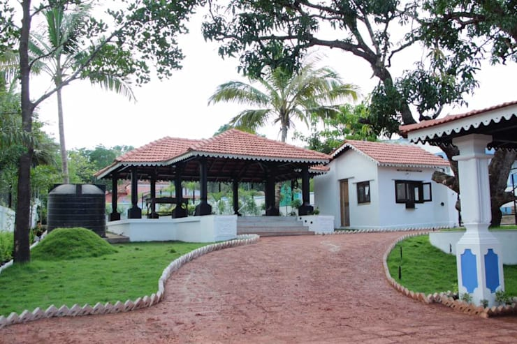 Luxo Villa at Aldona, Goa, India: rustic  by Rita Mody Joshi & Associates,Rustic Concrete