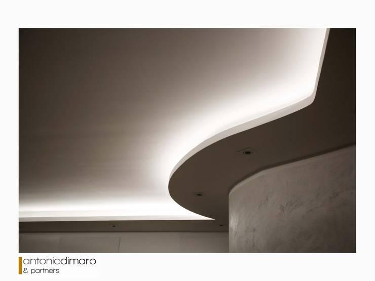 Tường by antoniodimaro&partners