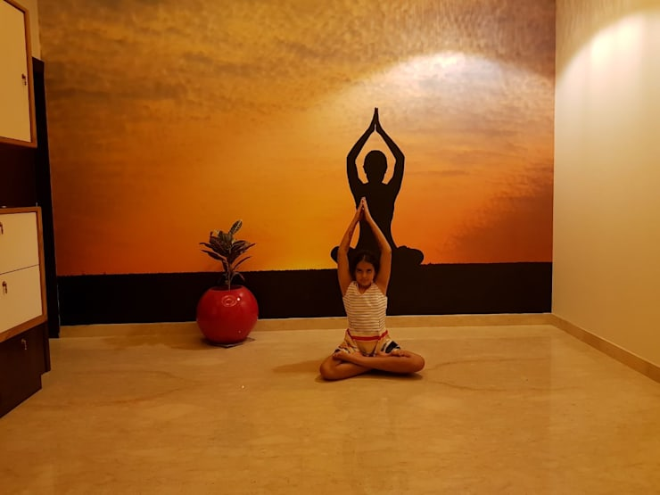 Yoga Room:  Walls by Arch Point,Modern