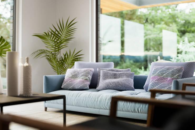 Phòng khách by Brown + Brown Architects