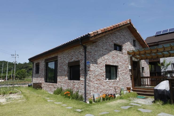 현엽동재: 건축스튜디오 사람의  주택
