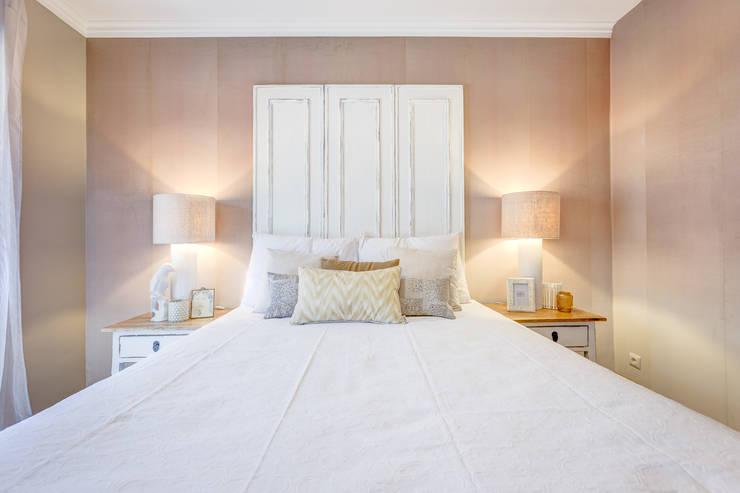 Bedroom by Santiago   Interior Design Studio