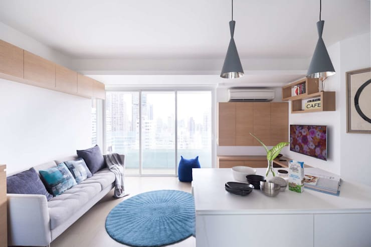 Cherry Crest B:  Living room by Clifton Leung Design Workshop
