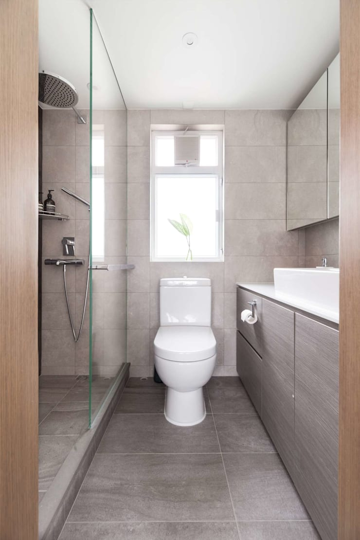 Cherry Crest B:  Bathroom by Clifton Leung Design Workshop, Classic