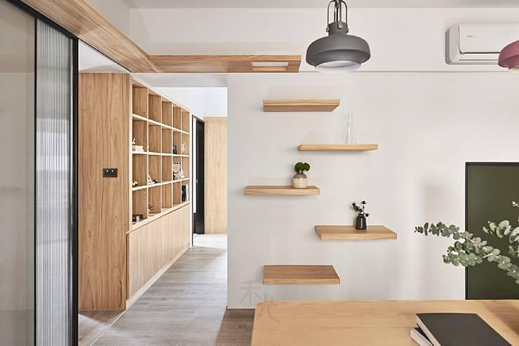 جدران تنفيذ 禾光室內裝修設計 ─ Her Guang Design