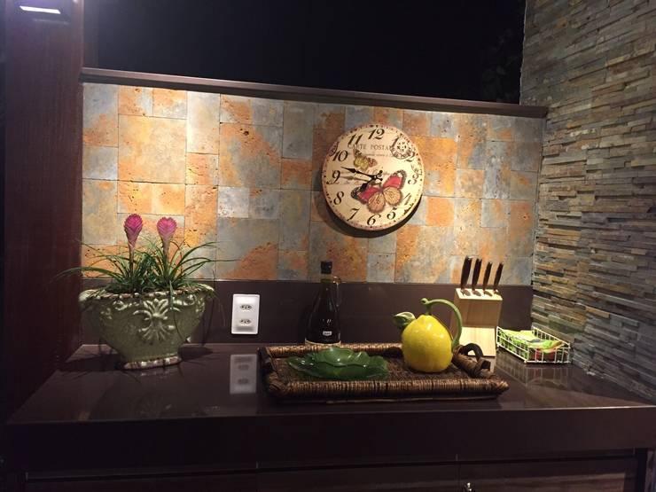 Casa da Serra:  Kitchen by brunadiogenes.liviafeitosa