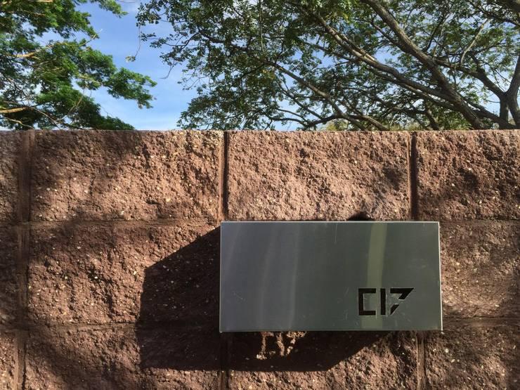Casa C-17 de XXStudio Moderno Aluminio/Cinc