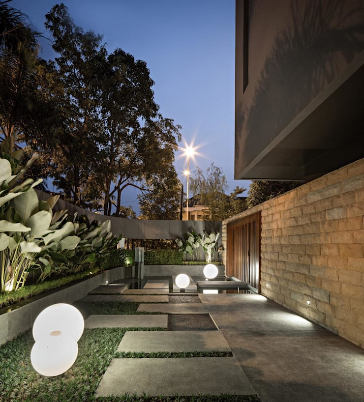 S+I House:  Taman by DP+HS Architects