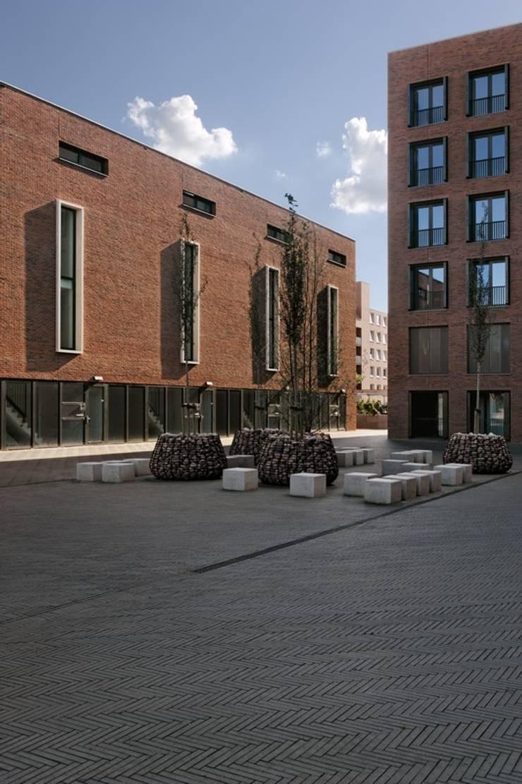 Woon / Werkwoningen Ceramique Maastricht:  Huizen door Verheij Architecten BNA
