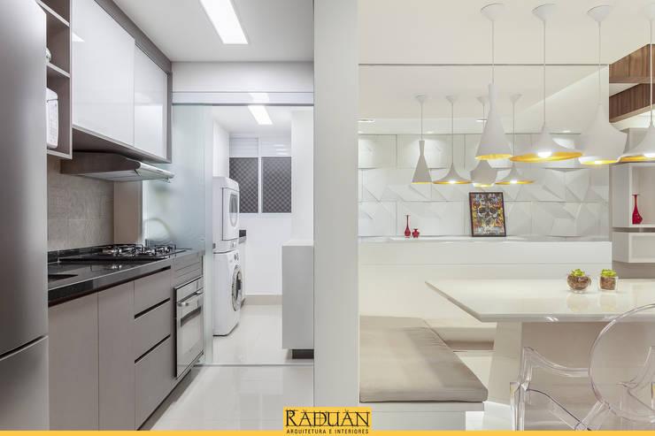 مطبخ تنفيذ Raduan Arquitetura e Interiores