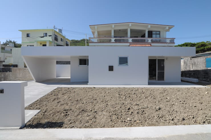 Single family home by hacototo design room, Industrial Concrete