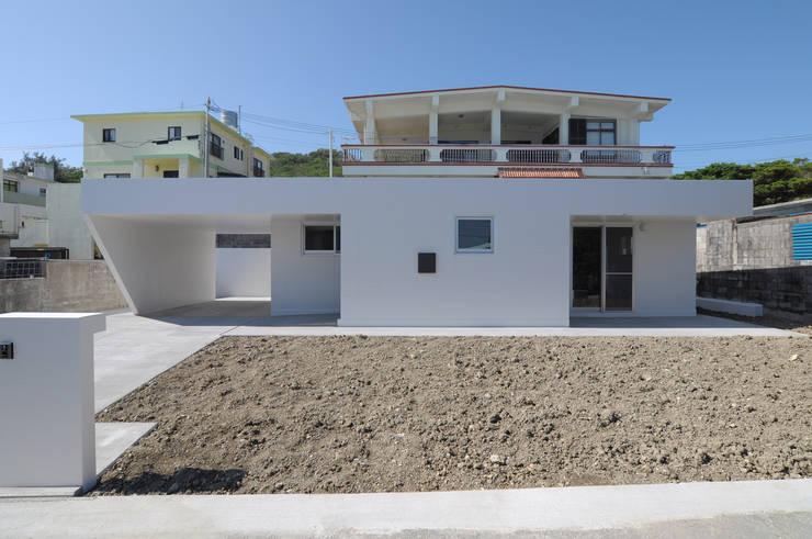 Casas unifamiliares de estilo  por hacototo design room, Industrial Concreto
