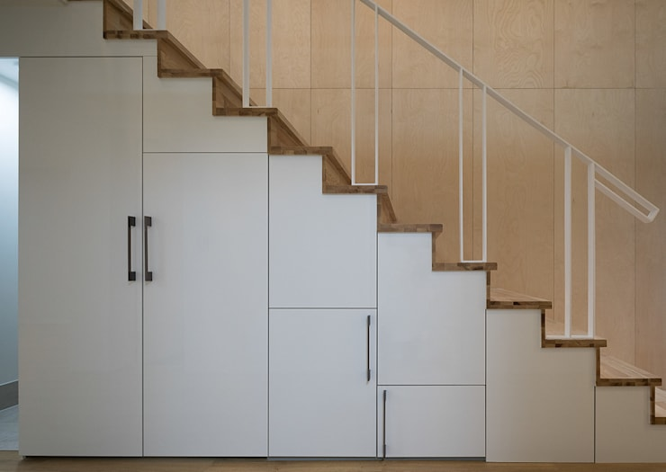 Stairs by 틔움건축