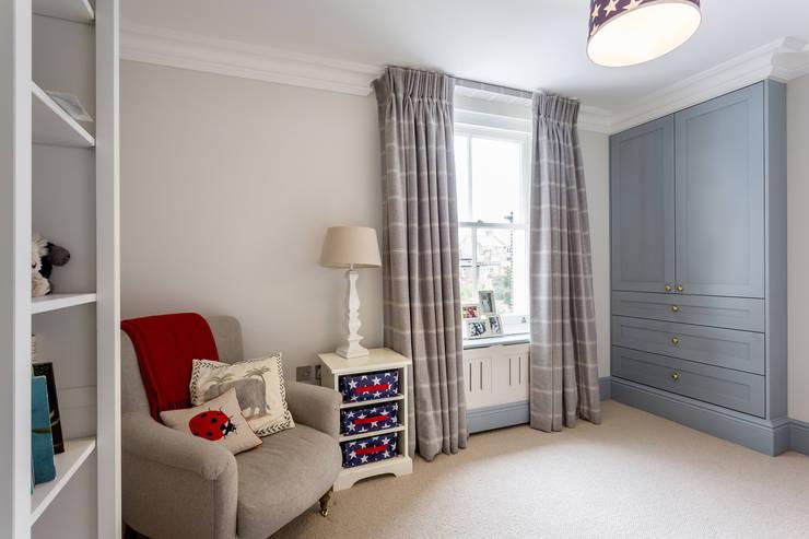 Bedroom:  Nursery/kid's room by GK Architects Ltd