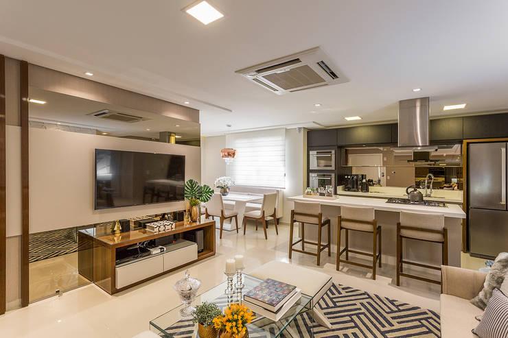 Sala e Cozinha Integrada: Salas de estar  por Juliana Agner Arquitetura e Interiores