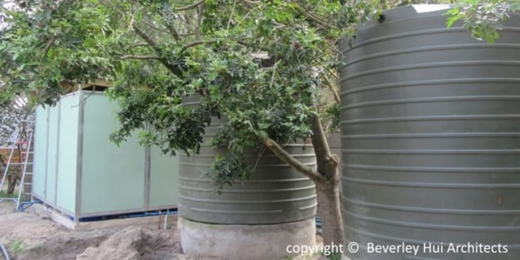 Borehole water for swimming pools - from this iron removal plant:  Carport by Beverley Hui Architects