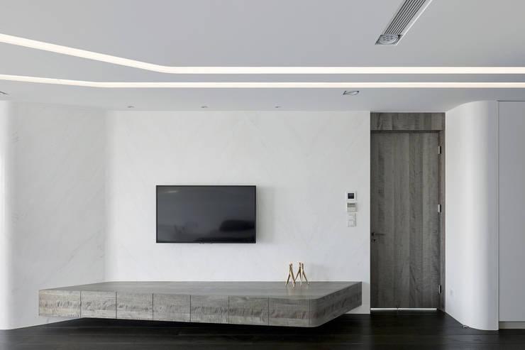 MASTER ROOM:  臥室 by Nestho studio