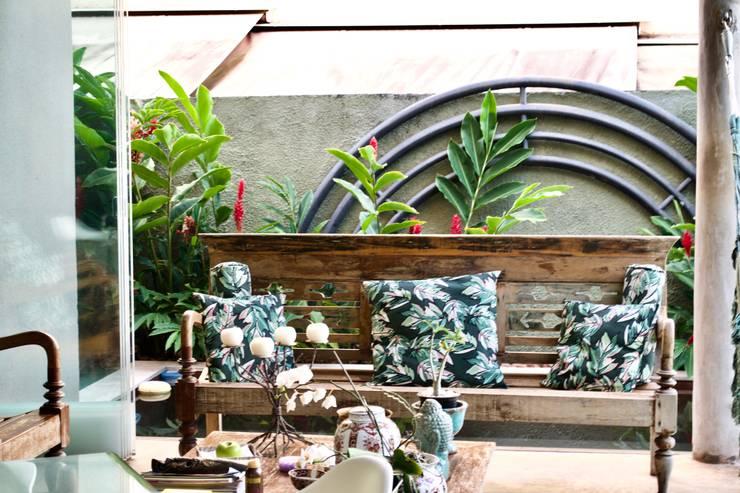Garden by Costa Lima Arquitetura Design e Construções Ltda