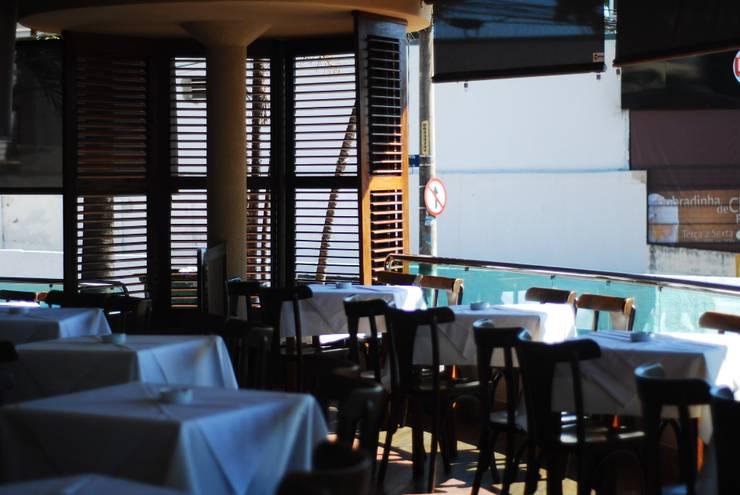 Varanda Bar: Bares e clubes  por Costa Lima Arquitetura Design e Construções Ltda