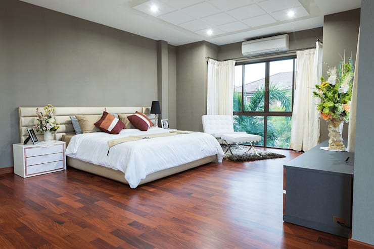 Residential:  Bedroom by  Eminent Enterprise LLP