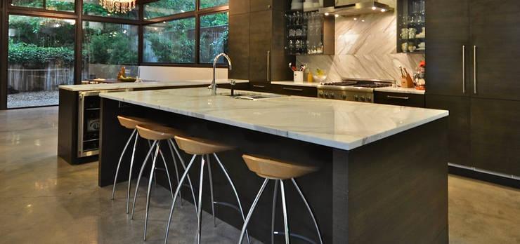 Een granieten keukenblad in moderne keuken.: modern  door Uw Keukenblad, Modern Graniet