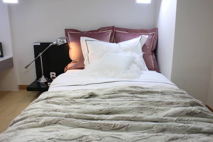 복층 오피스텔 침실 공간: 모린홈의  상업 공간