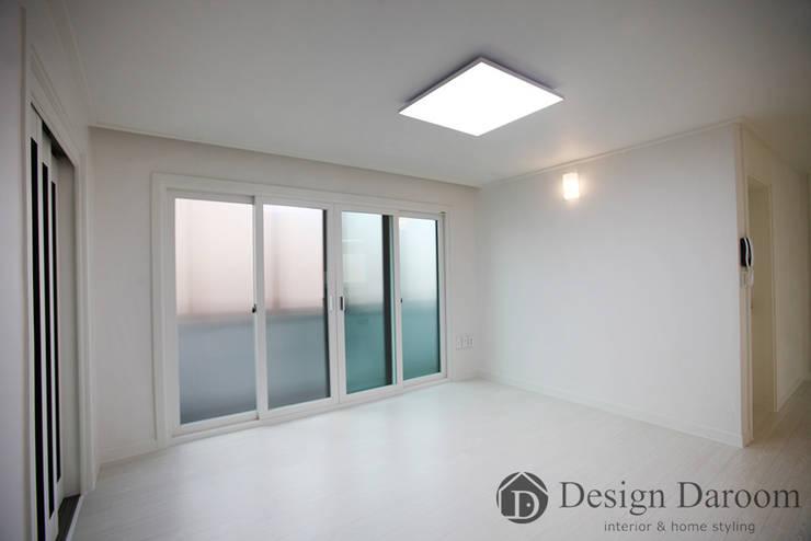송파 상가건물 내 주거공간 거실: Design Daroom 디자인다룸의  거실,모던