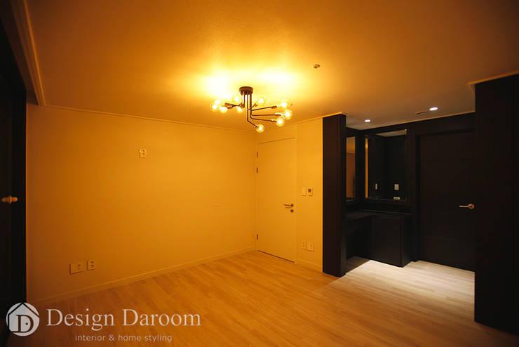 수유 두산위브 아파트 34py 안방: Design Daroom 디자인다룸의  침실