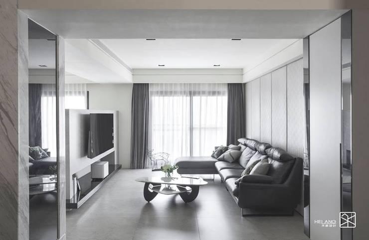 繃布:  客廳 by 禾廊室內設計
