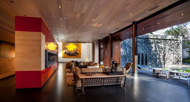 Estancia: Salas de estilo  por Eduardo Gutiérrez Taller de Arquitectura