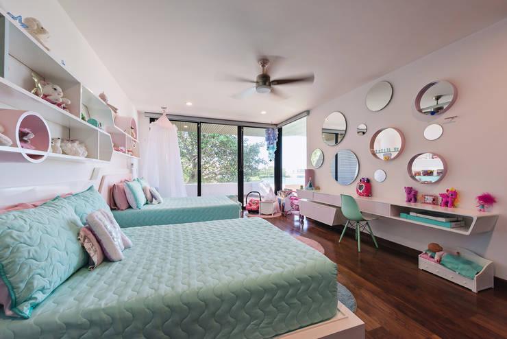 Casa del Árbol: Recámaras infantiles de estilo  por Ancona + Ancona Arquitectos