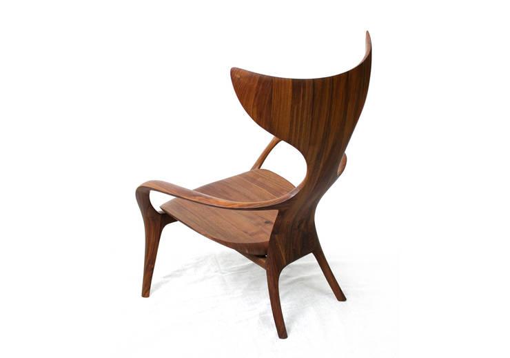 HUMPBACK_W (easy chair): KIMKIWON furniture의  거실