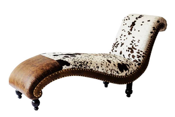 The Chais Lounge: modern  by L'Opulence ,Modern