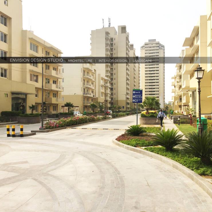 Avenue 71, Gurugram, Haryana:   by Envision Design Studio