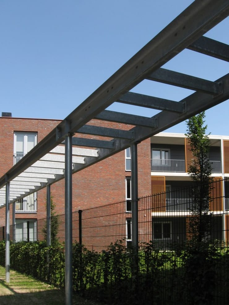 Seniorenappartementen Klein Gulpen, Gulpen:  Huizen door Verheij Architecten BNA, Modern