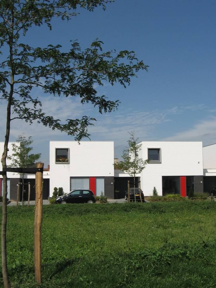 Patiowoningen Nieuw Poelveld, Eijsden:  Eengezinswoning door Verheij Architecten BNA, Modern