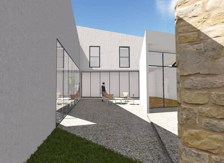 Front yard by ArqClub - Studio de Arquitetura, Modern