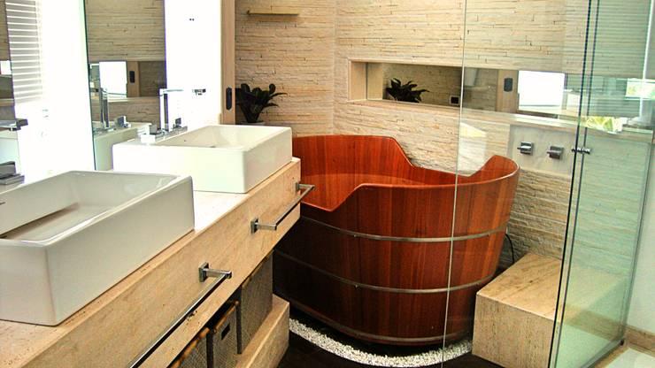 Baños de estilo  por STUDIO AGUIAR E  DINIS