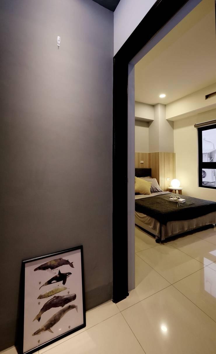 北歐風格宅:  玄關、走廊與階梯 by 台灣柏林室內設計工作室