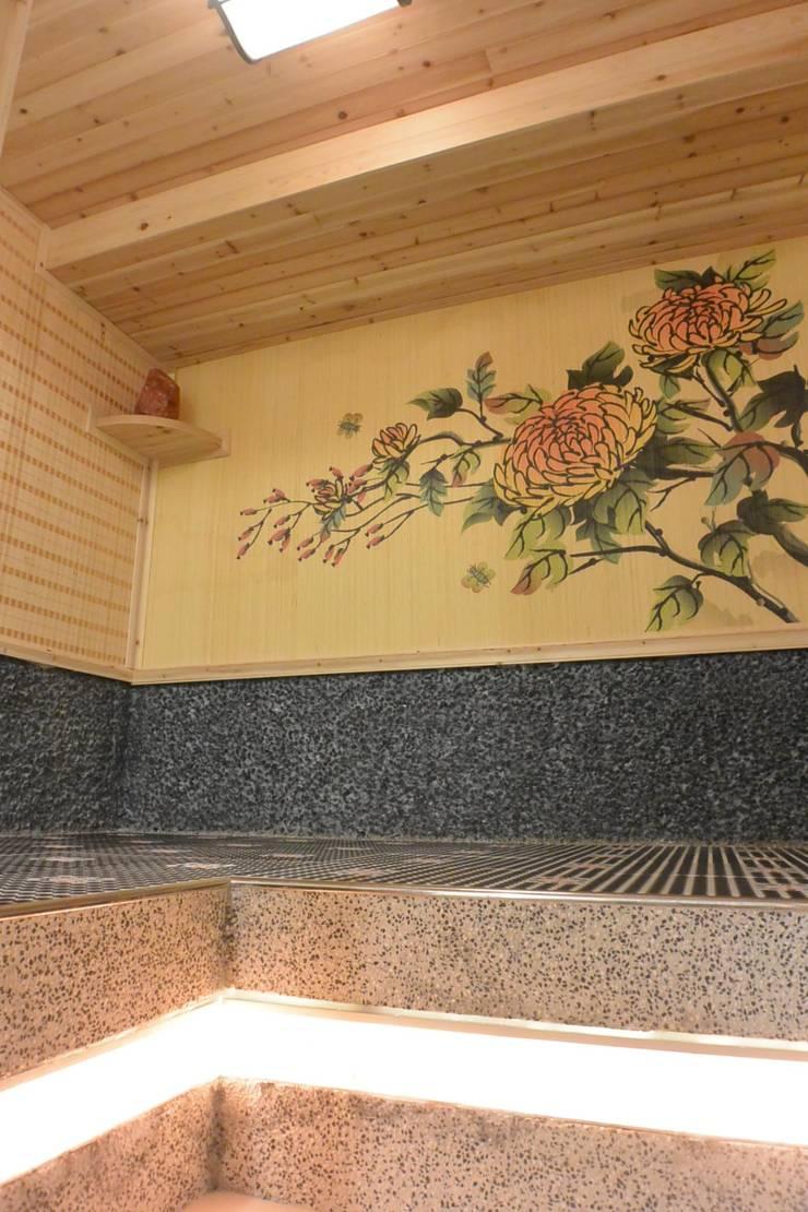 VIP電氣石汗蒸房:  商業空間 by 萩野空間設計