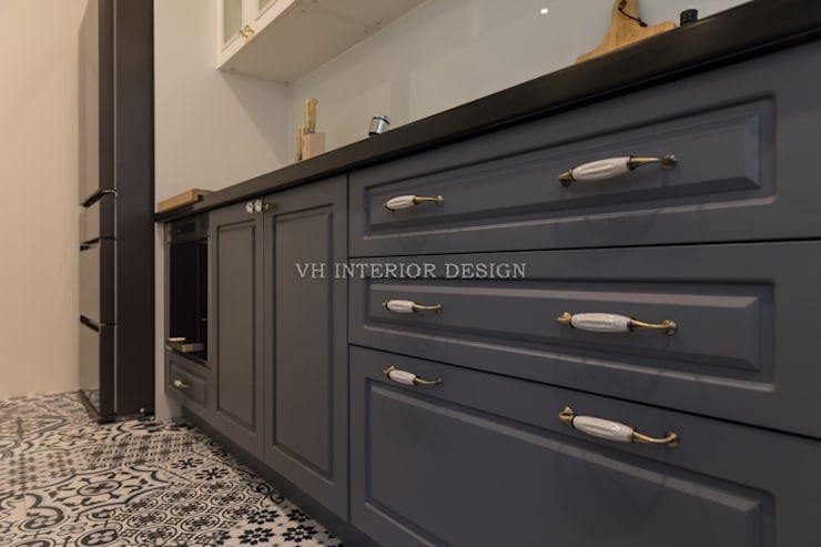 Dapur by VH INTERIOR DESIGN