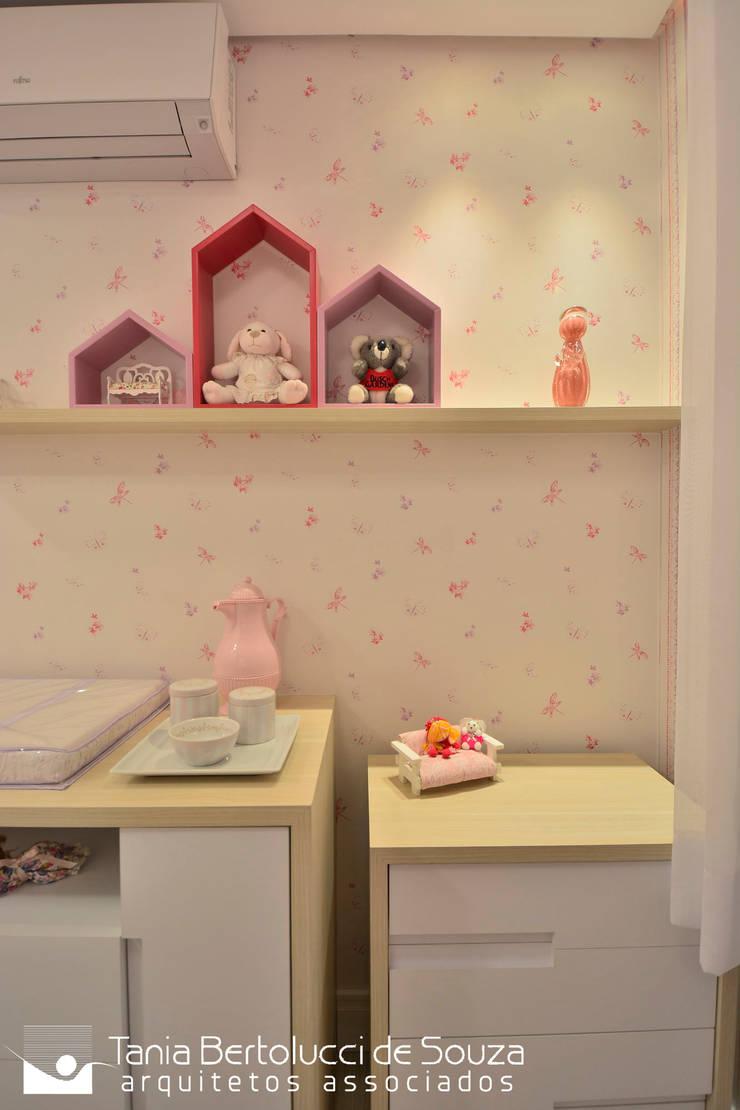 Babyzimmer von Tania Bertolucci  de Souza  |  Arquitetos Associados