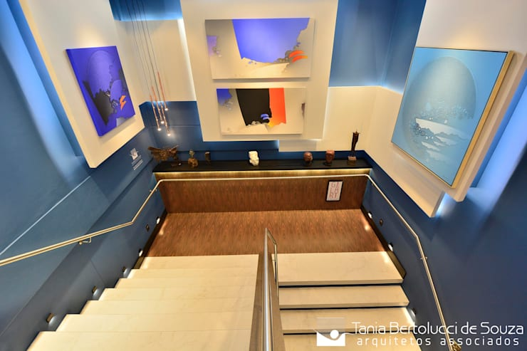 Escaleras de estilo  por Tania Bertolucci  de Souza  |  Arquitetos Associados