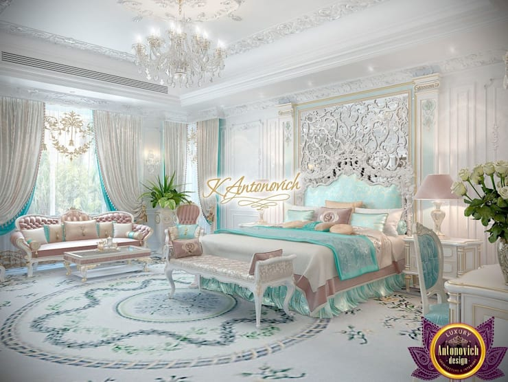 ​Dream house design by Katrina Antonovich:  Bedroom by Luxury Antonovich Design