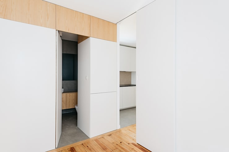 minimalistic Bedroom by Architect Your Home