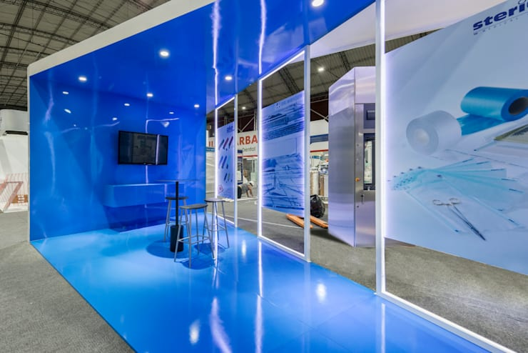 Modulo P & E | Feria Tecnosalud: Tiendas y espacios comerciales de estilo  por Gracia Nano Studio