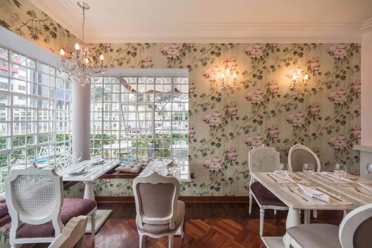 Las Bolena Tea room & Restaurant: Restaurantes de estilo  por Gracia Nano Studio