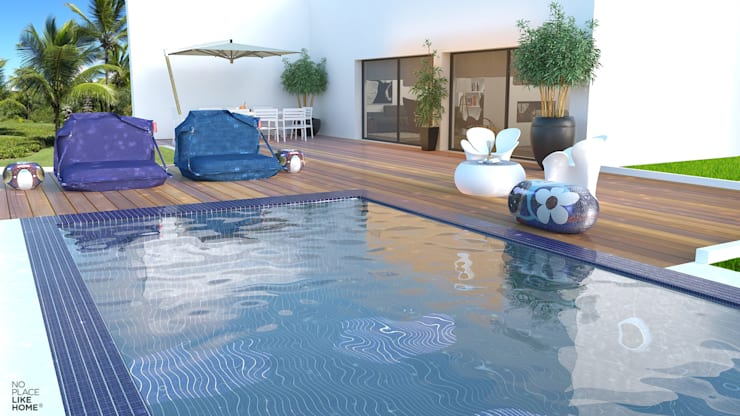 Swimming pool: Piscina  por No Place Like Home ®