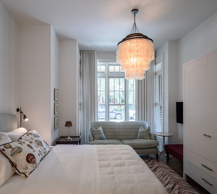 Glebe Avenue Residence:  Bedroom by Flynn Architect